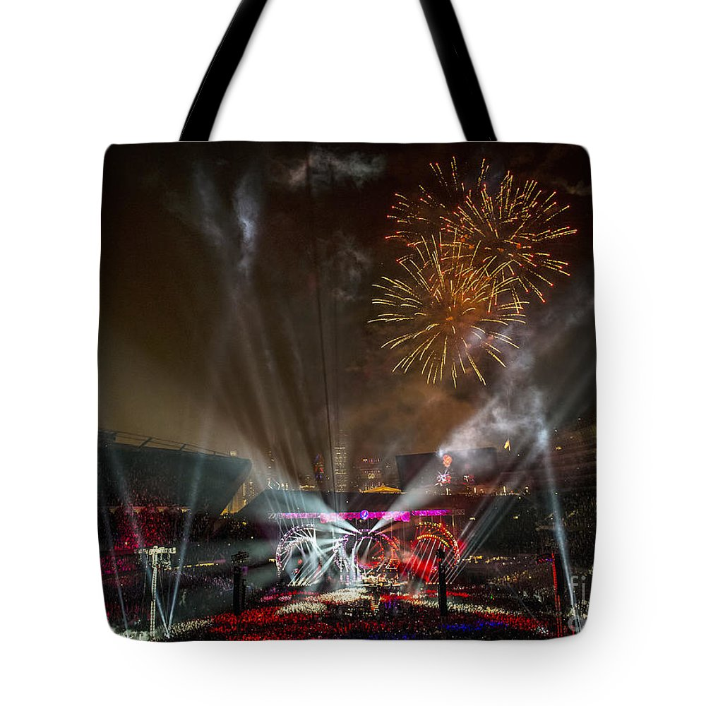 Grateful Dead Tote Bag featuring the photograph The Grateful Dead At Soldier Field Fare Thee Well Tour by David Oppenheimer