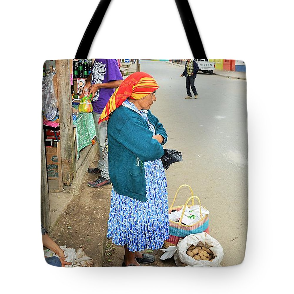 City Scene Tote Bag featuring the photograph Los Lencas by Gianni Bussu