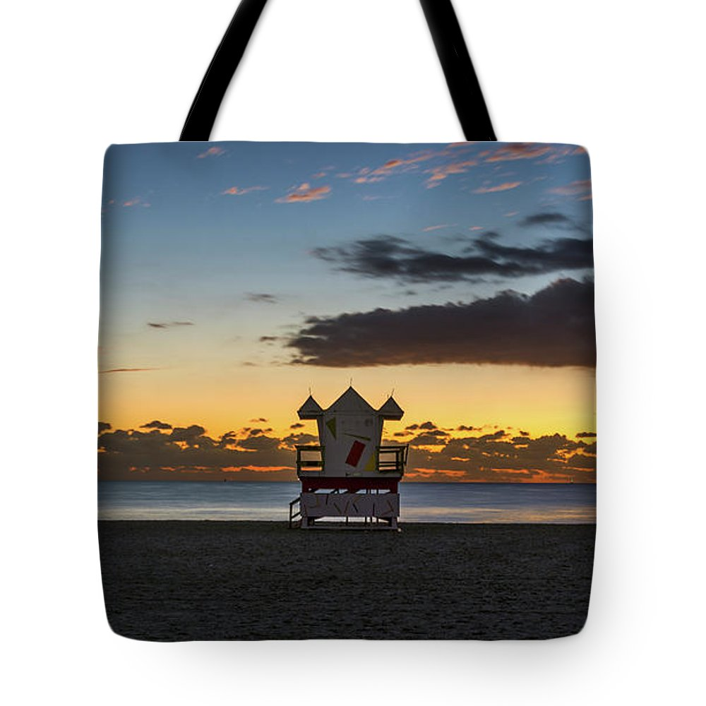 Atlantic Tote Bag featuring the photograph 7825- Miami Beach Sunrise by David Lange