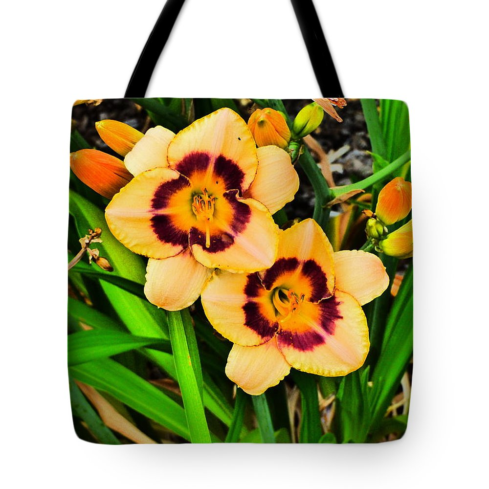 Paul Stanner Tote Bag featuring the photograph Bliss by Paul Stanner