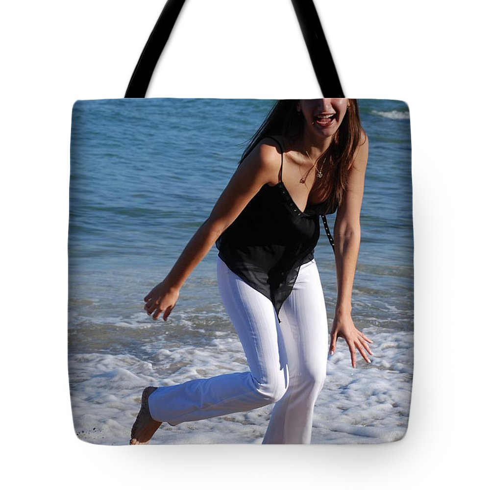 Sea Scape Tote Bag featuring the photograph Gisele by Rob Hans
