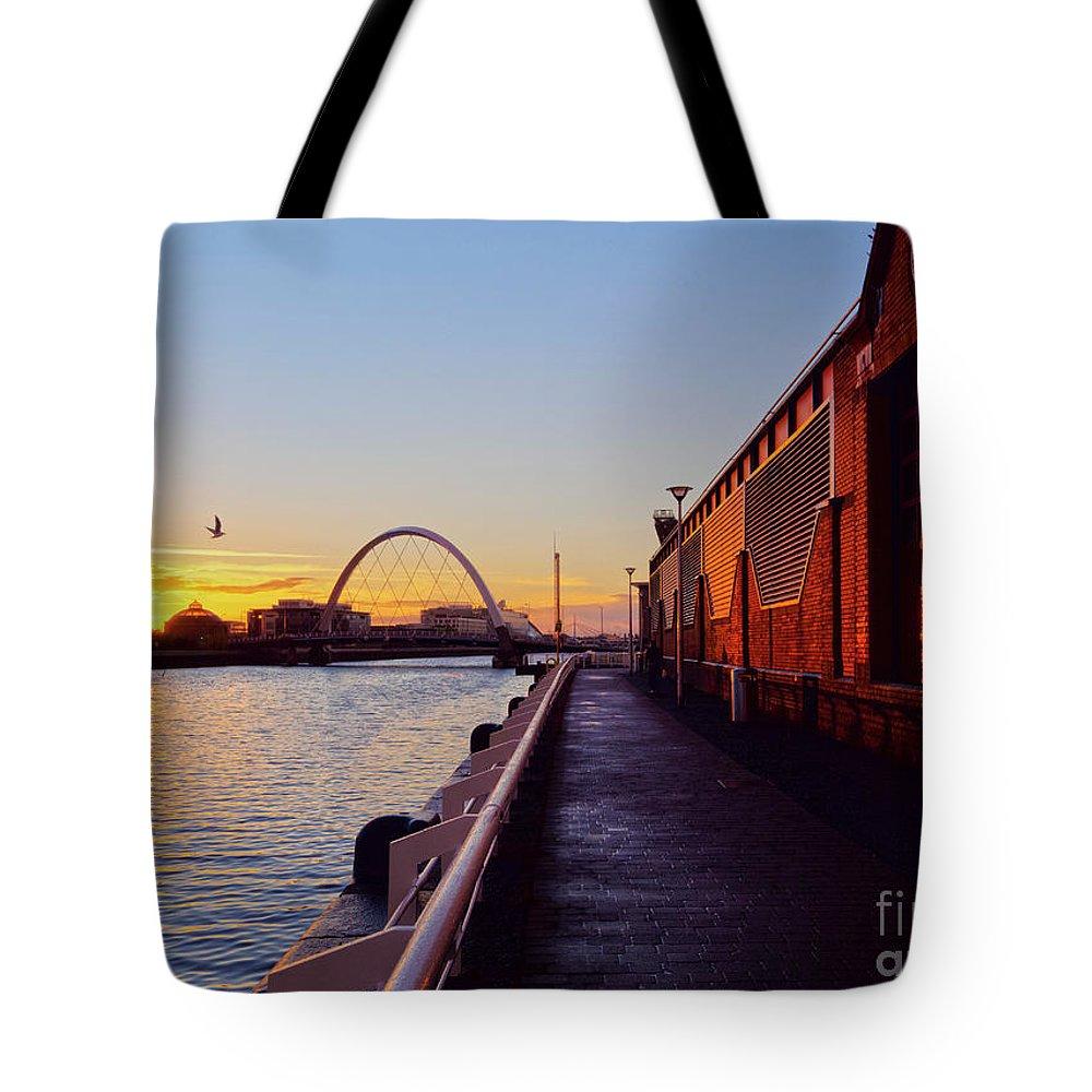 Europe Tote Bag featuring the photograph Glasgow, Scotland by Karol Kozlowski