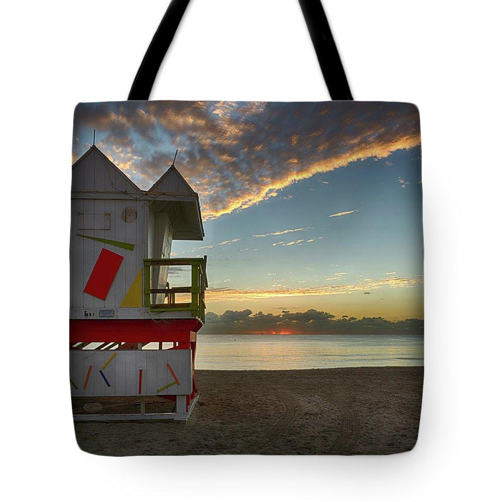 Atlantic Tote Bag featuring the photograph 8990- Miami Beach Sunrise by David Lange