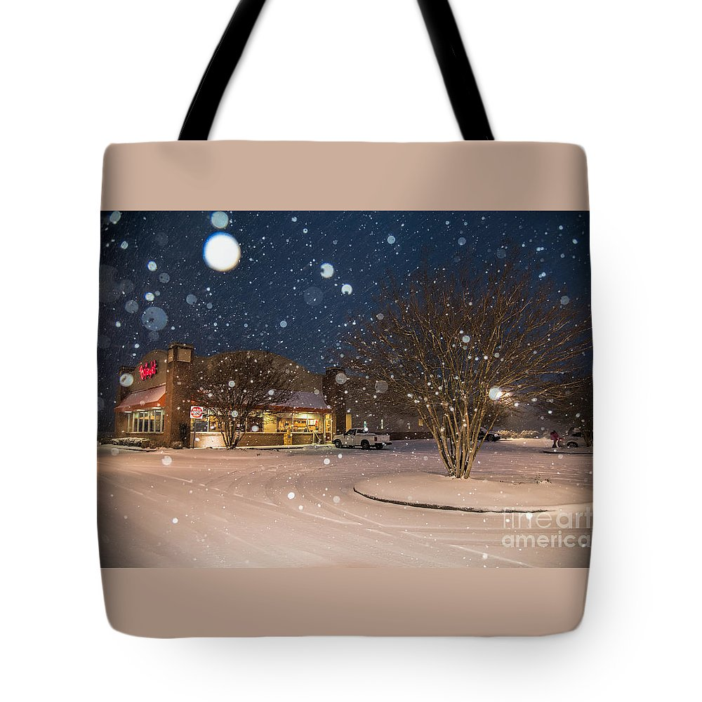 Blizzard Tote Bag featuring the photograph A Blizzard At Bojangles by Robert Loe