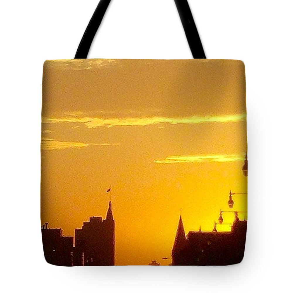 Cityscape Tote Bag featuring the photograph A Chicago Morning by Artistry By Ajanta