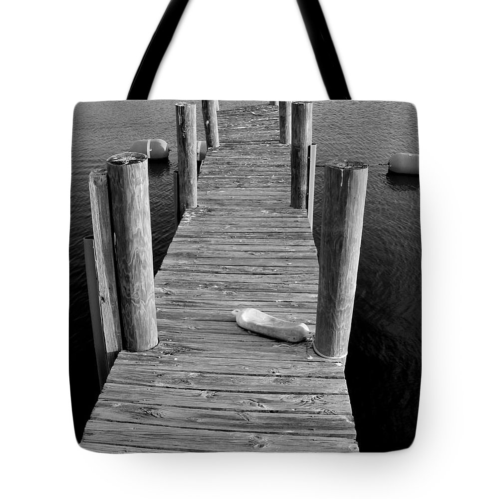 A Heavy Weight Tote Bag featuring the photograph A Heavy Weight by Ed Smith
