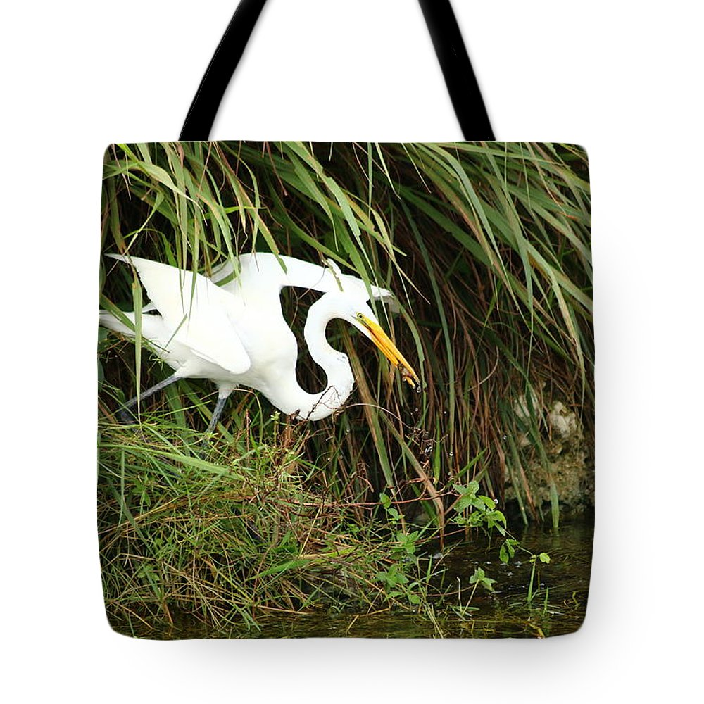 White Egret Tote Bag featuring the photograph A Perfect Hunter by Christiane Schulze Art And Photography