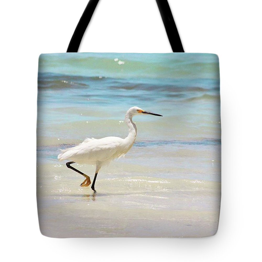 Egret Tote Bag featuring the photograph A Snowy Egret (egretta Thula) At Mahoe by John Edwards
