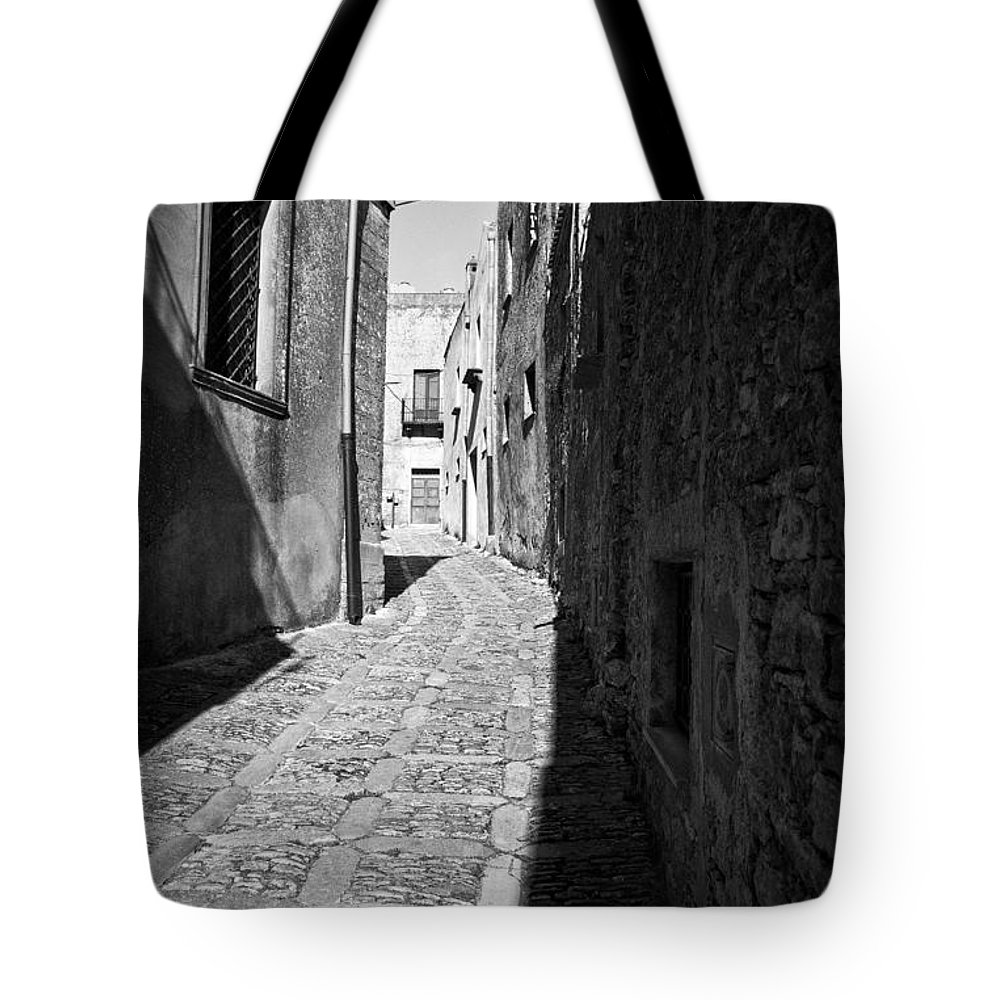 Street Tote Bag featuring the photograph A Street In Sicily by Madeline Ellis