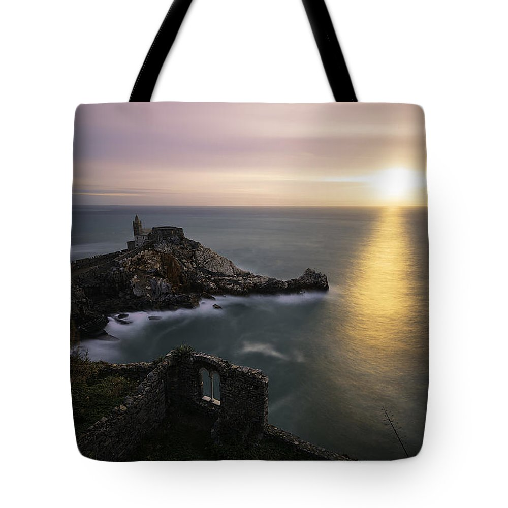 Sunset Tote Bag featuring the photograph A Window On The Sea by Daniele Bisognin
