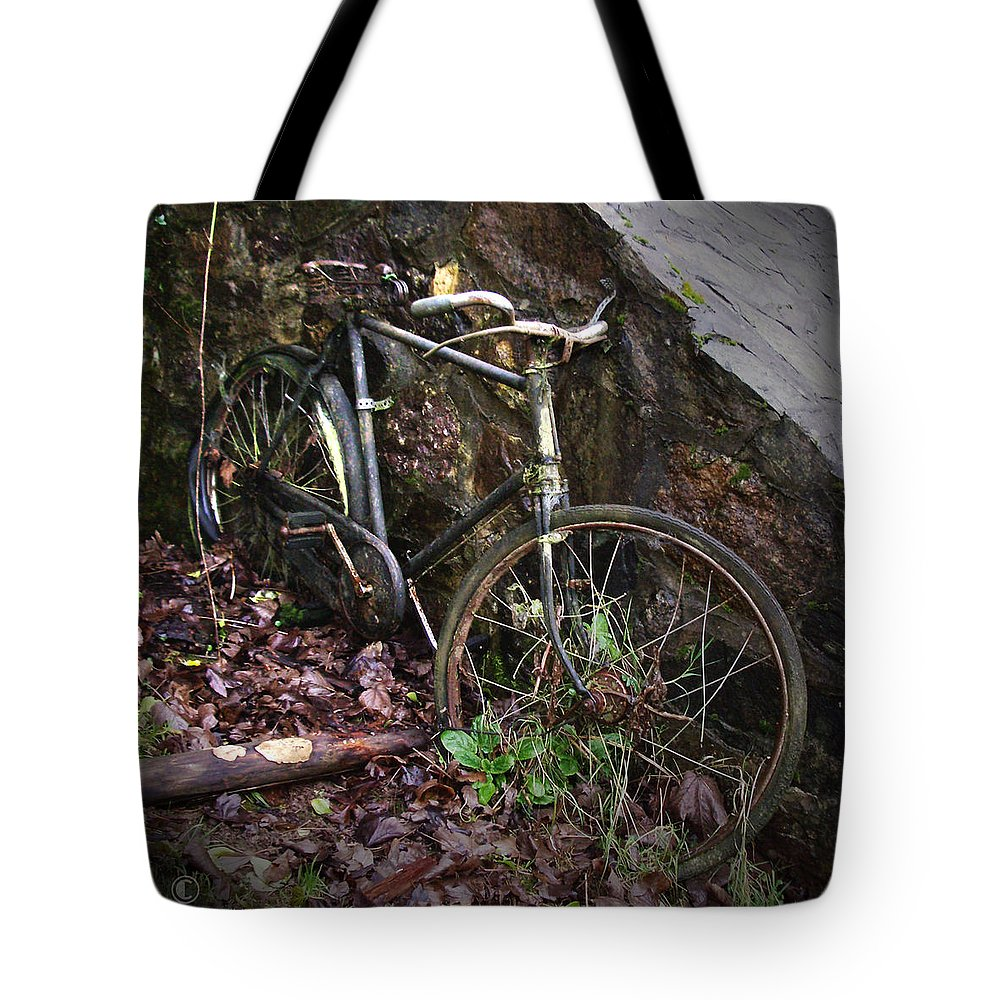 Irish Tote Bag featuring the photograph Abandoned Bicycle by Tim Nyberg