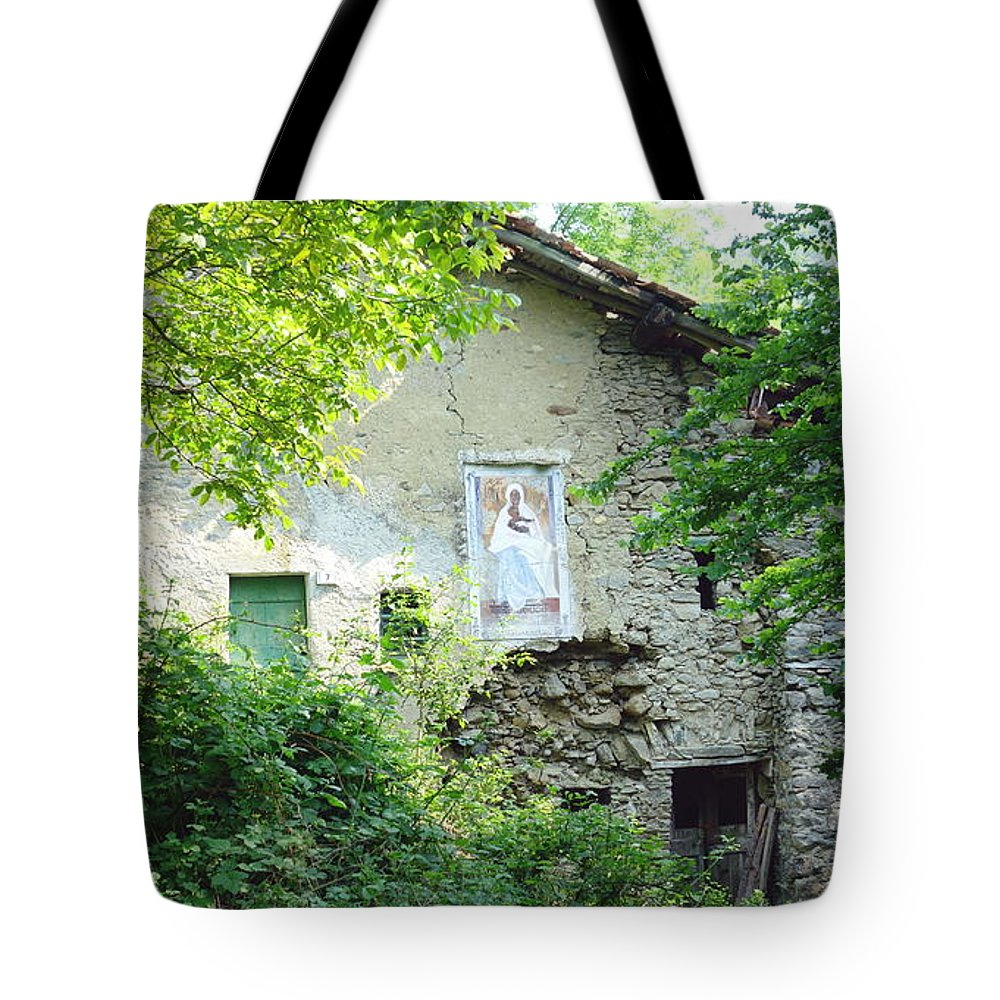 House Tote Bag featuring the photograph Abandoned House by Valentino Visentini
