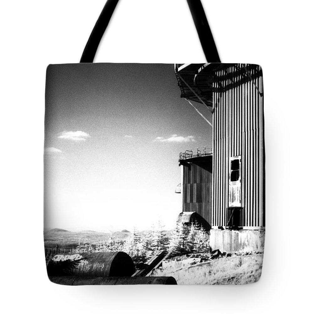 Abandoned Tote Bag featuring the photograph Abandoned Radar by Richard Rizzo