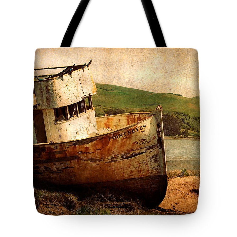 Shipwreck Tote Bag featuring the photograph Abandoned by Renee Hong