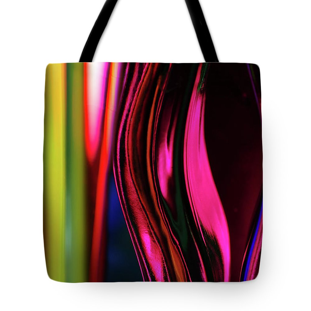 Glass Dye Ink Color Light Defract Defraction Tote Bag featuring the photograph Abstract Verticle Shapes In Green And Red by Reimar Gaertner