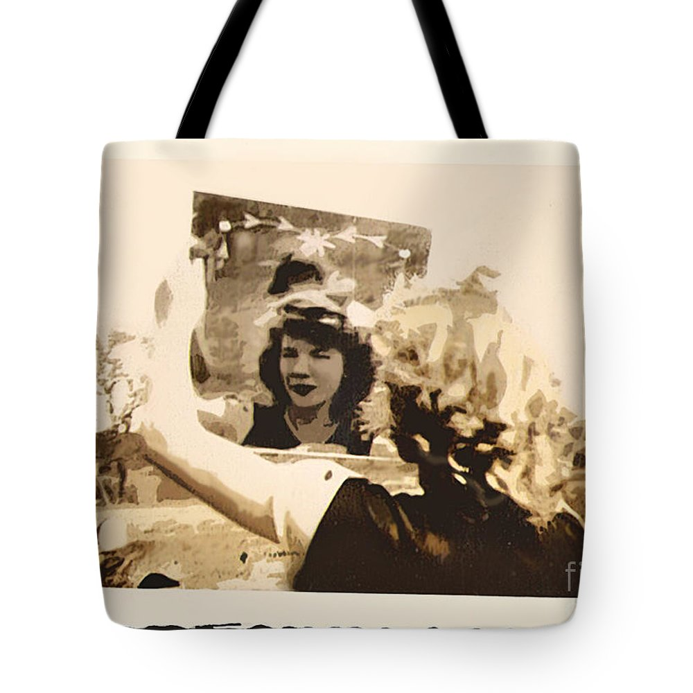 Mirror Tote Bag featuring the photograph Admiration by Susan Vineyard