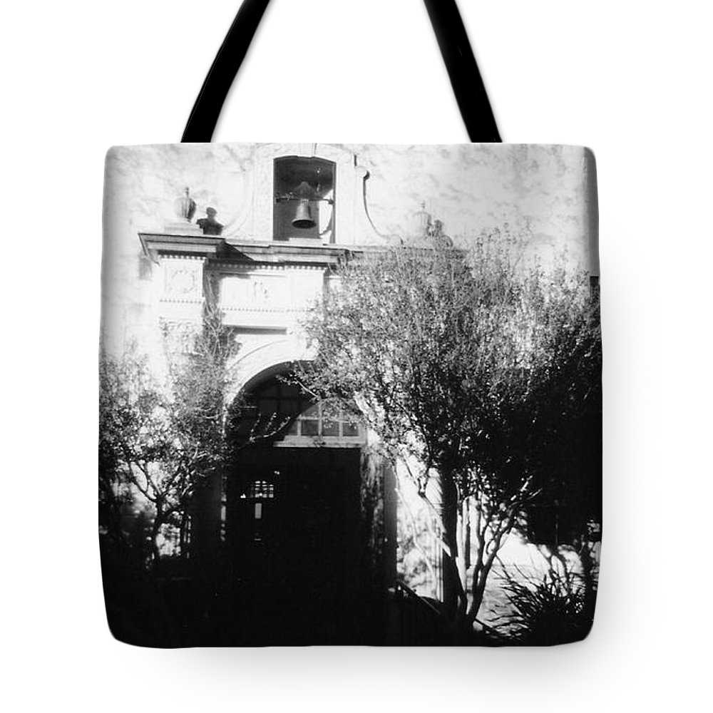 Alamo Tote Bag featuring the photograph Alamo by Pharris Art