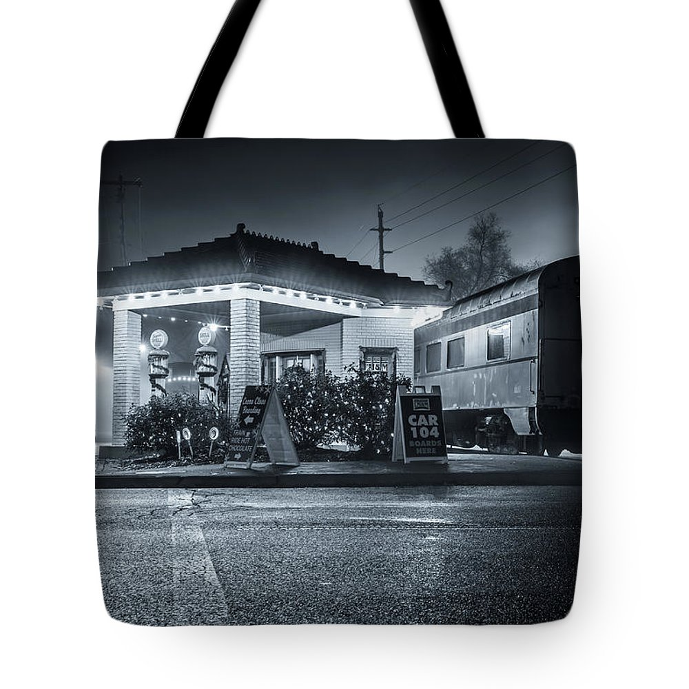Lebanon Ohio Tote Bag featuring the photograph All Aboard The Fog Express by Andrew Johnson