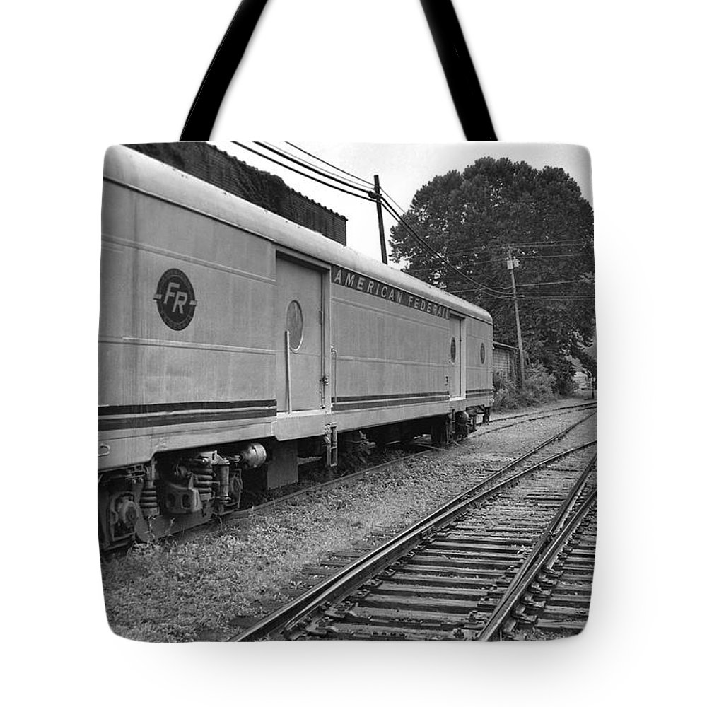 Trains Tote Bag featuring the photograph American Federail by Richard Rizzo