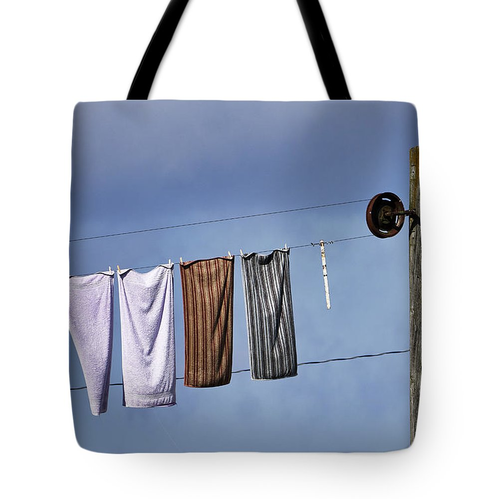 Lancaster County Tote Bag featuring the photograph Amish Clothesline by John Greim