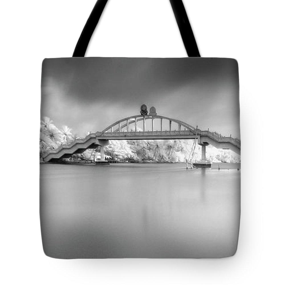 Amritapuri Tote Bag featuring the photograph Amritasetu by Sonny Marcyan