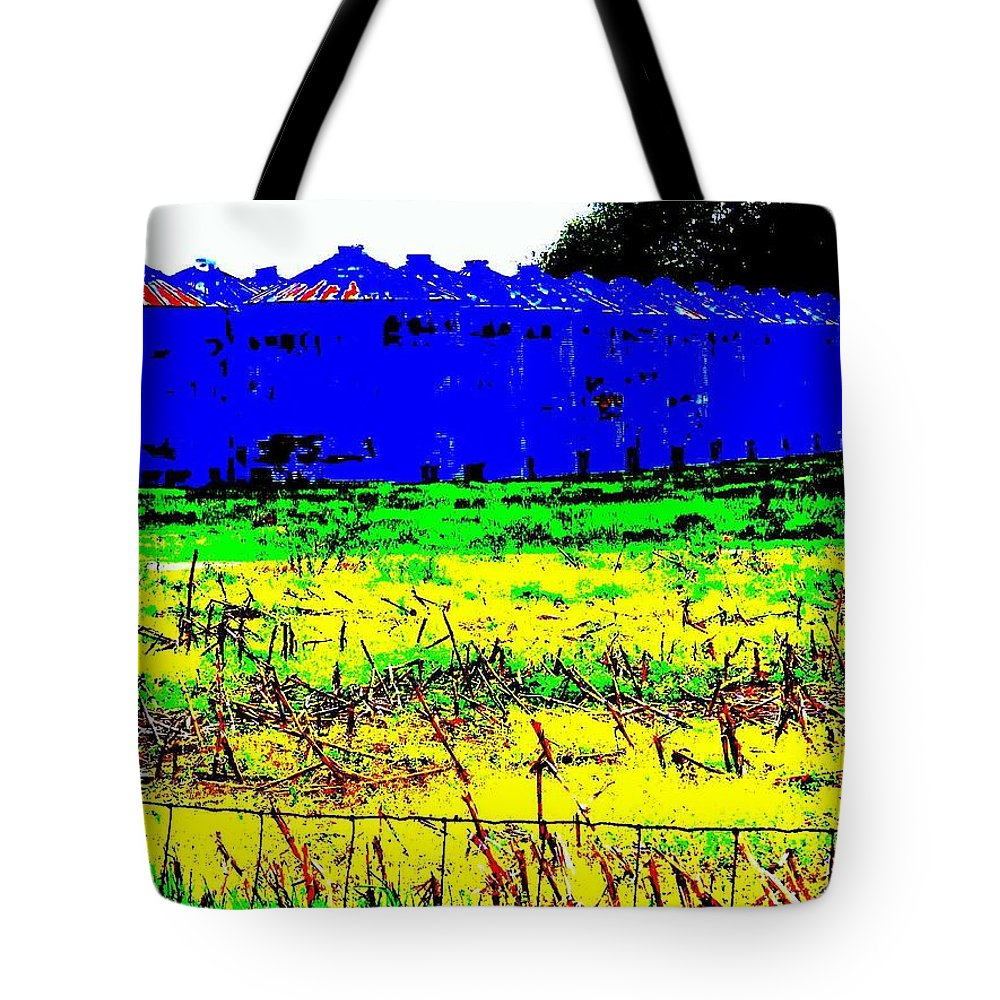 Landscape Tote Bag featuring the photograph Andys Farm by Ed Smith