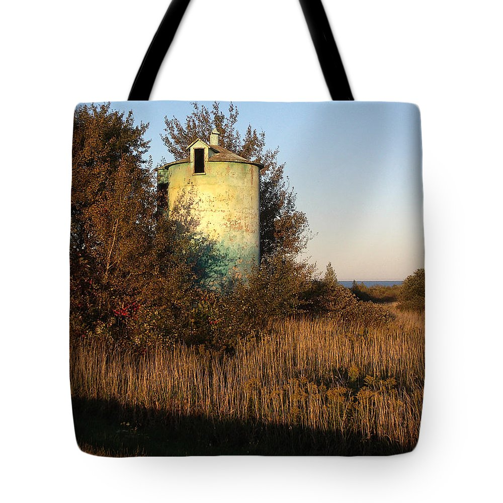Silo Tote Bag featuring the photograph Aqua Silo by Tim Nyberg