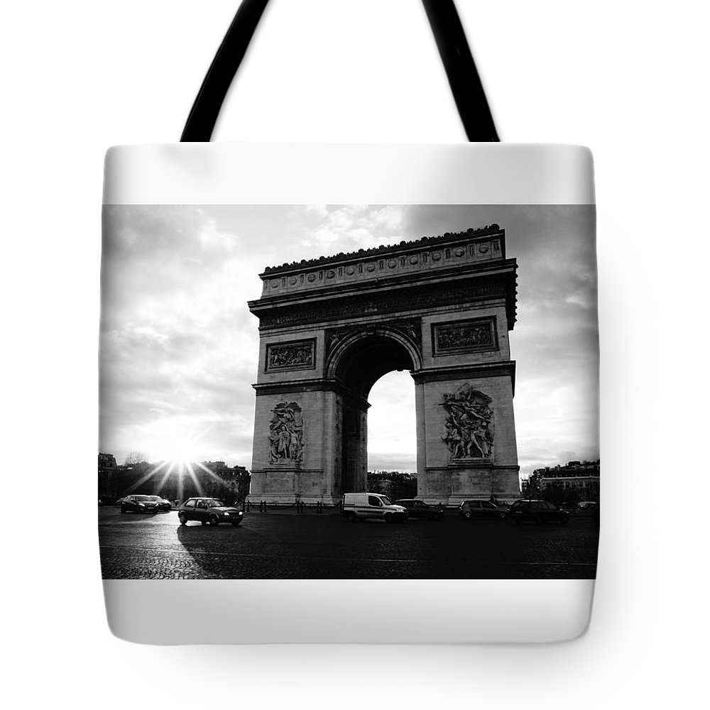 Europe Tote Bag featuring the photograph Arc De Triomphe Sunset Paris, France by Lawrence S Richardson Jr