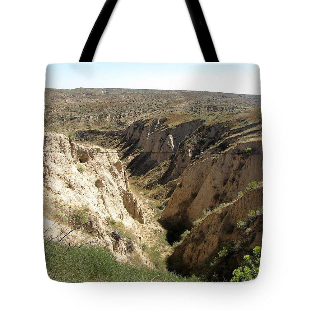 Arikaree Breaks Tote Bag featuring the photograph Arikaree Breaks Canyon by Keith Stokes