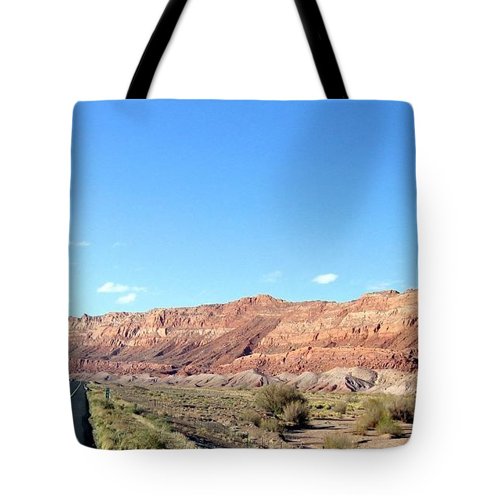 Arizona Tote Bag featuring the photograph Arizona 17 by Will Borden
