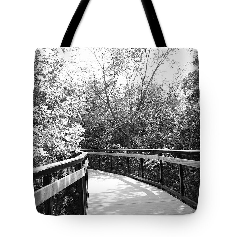 Black And White Tote Bag featuring the photograph Around The Corner by Lindsay Warren