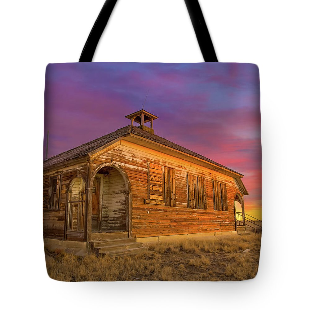 1870 Tote Bag featuring the photograph Aroya Sunrise by Bridget Calip