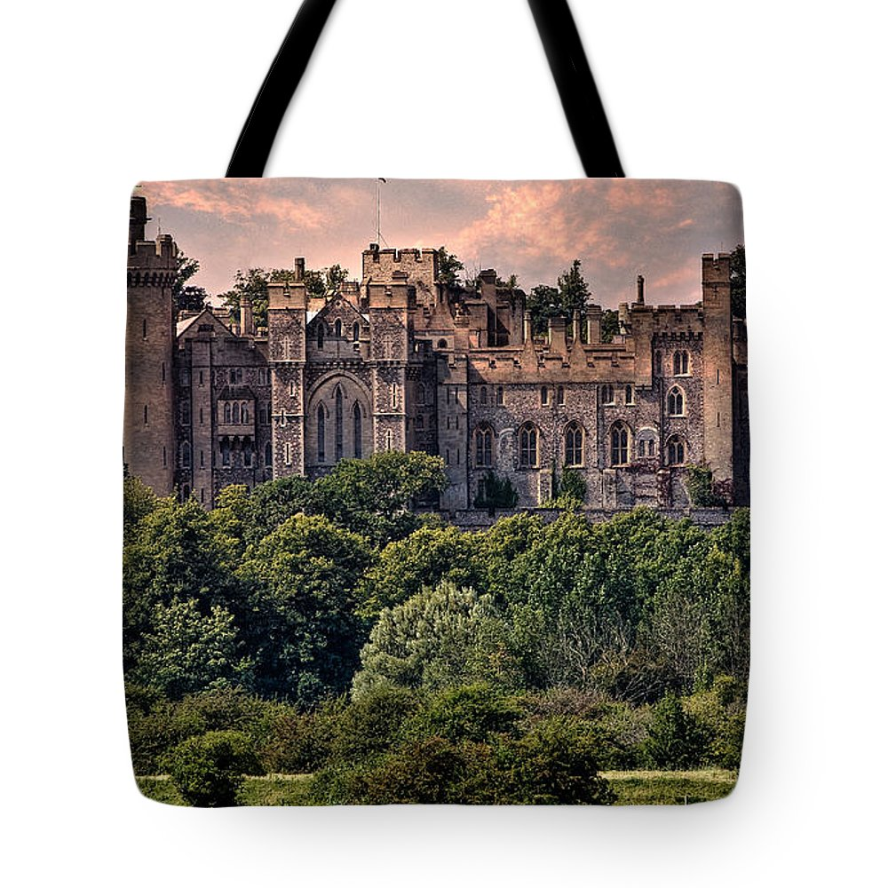 Arundel Tote Bag featuring the photograph Arundel Castle by Chris Lord