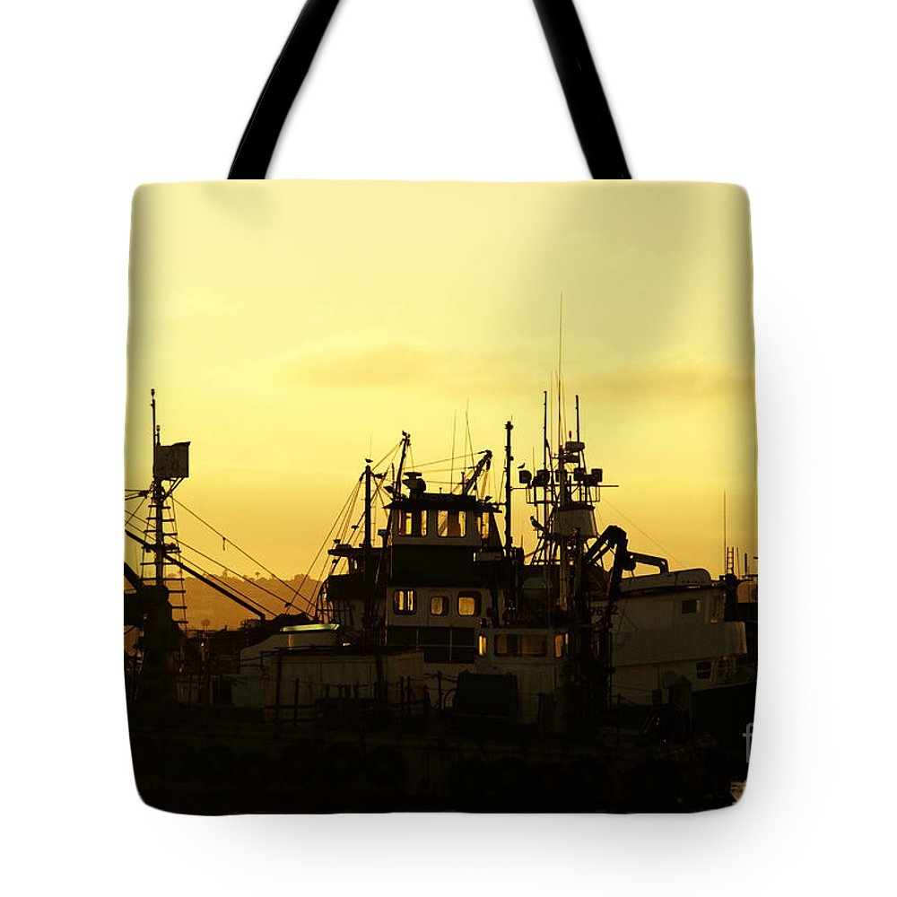 San Diego Tote Bag featuring the photograph At Days End by Linda Shafer