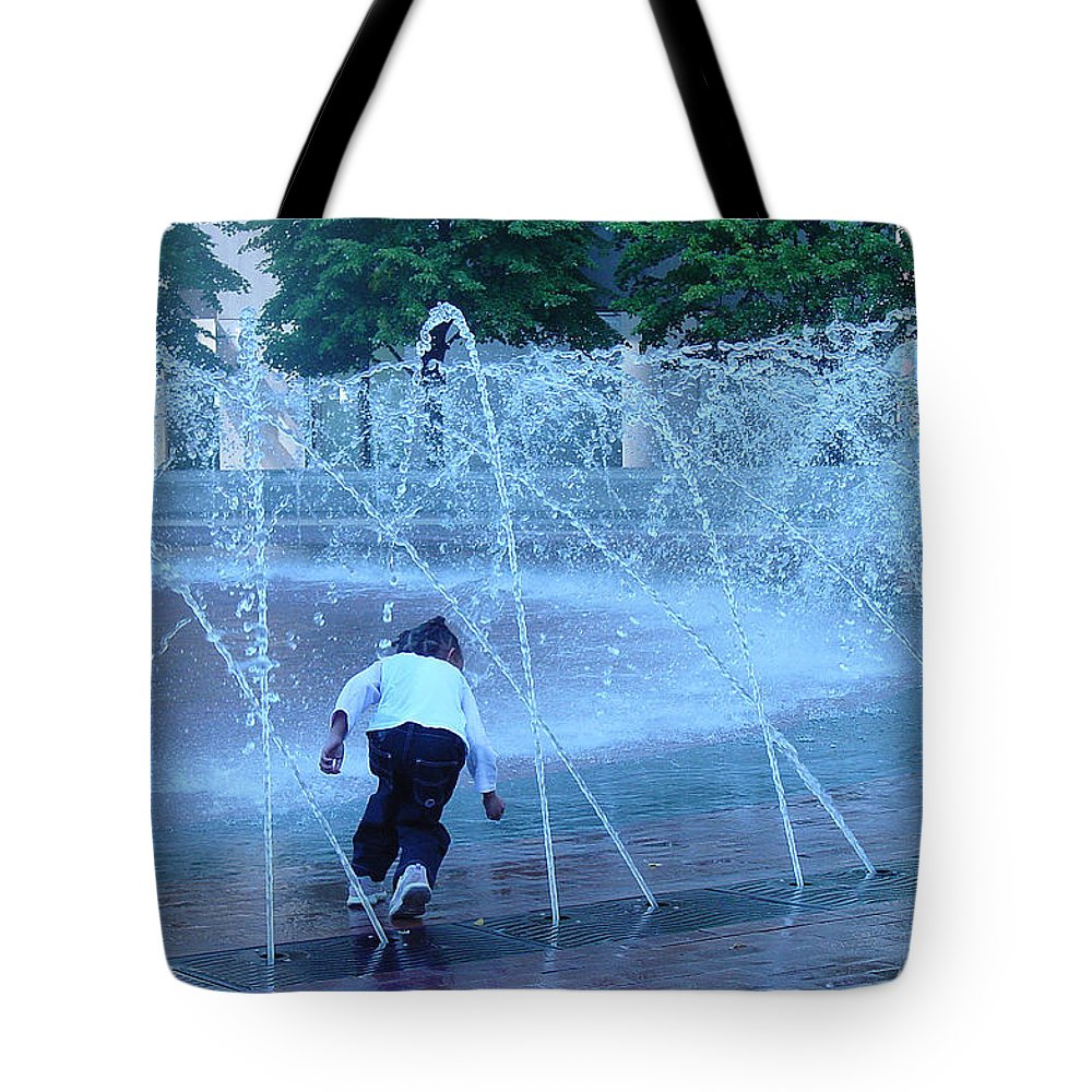 Public Fountain Tote Bag featuring the photograph At Play by Suzanne Gaff