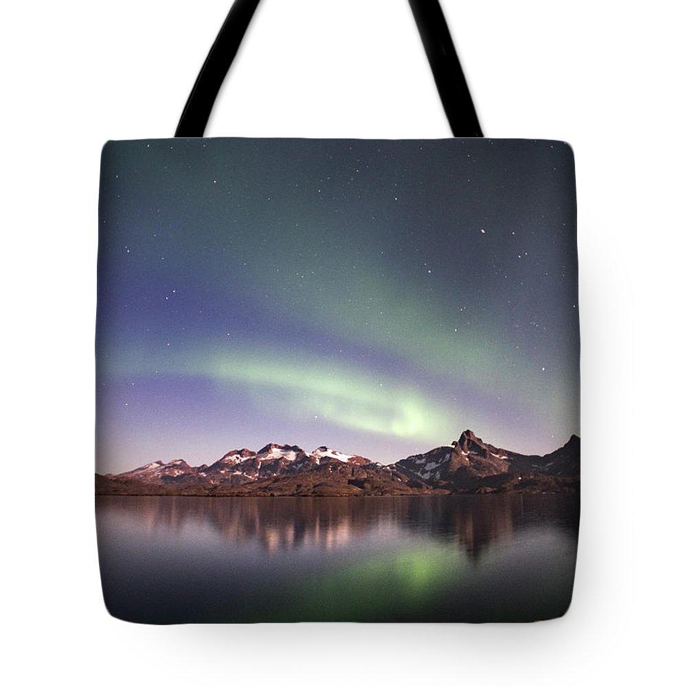 Aurora Tote Bag featuring the photograph Aurora Tasiilaq Greenland 7279 by Bob Neiman