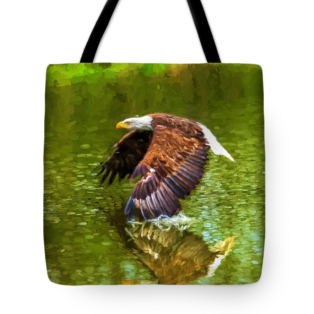 Birds Tote Bag featuring the photograph Bald Eagle Cutting The Water by Les Palenik