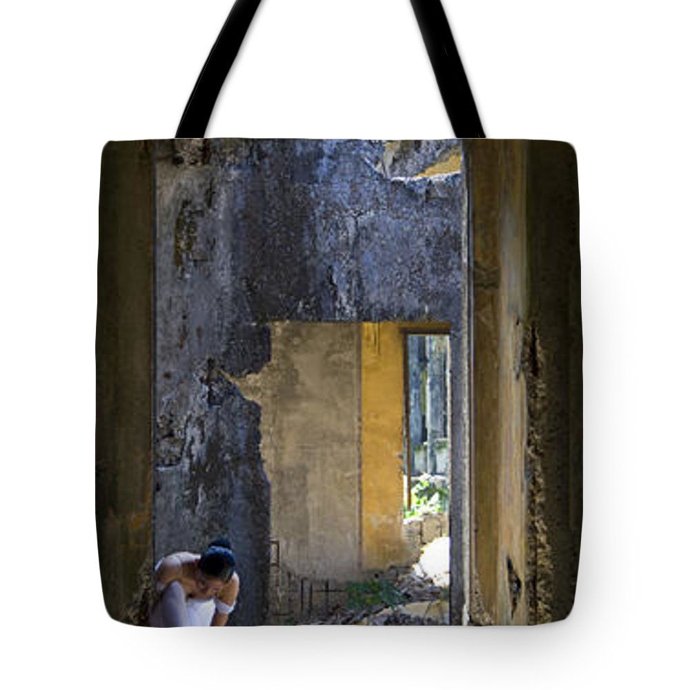 Ballet Dancer Tote Bag featuring the photograph Ballet Dancer8 by George Cabig