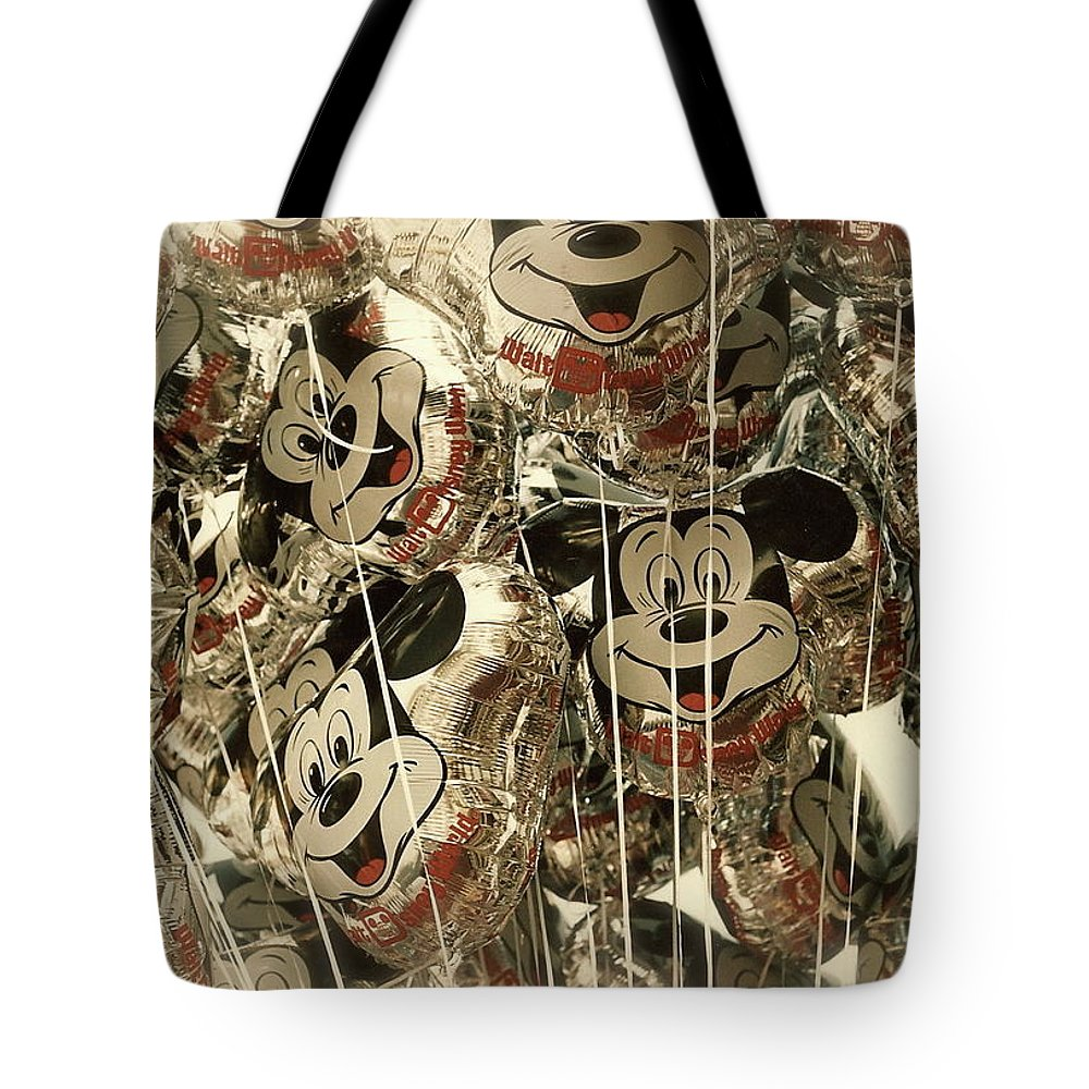 Ballons Tote Bag featuring the photograph Balloons by Sofia Lawler
