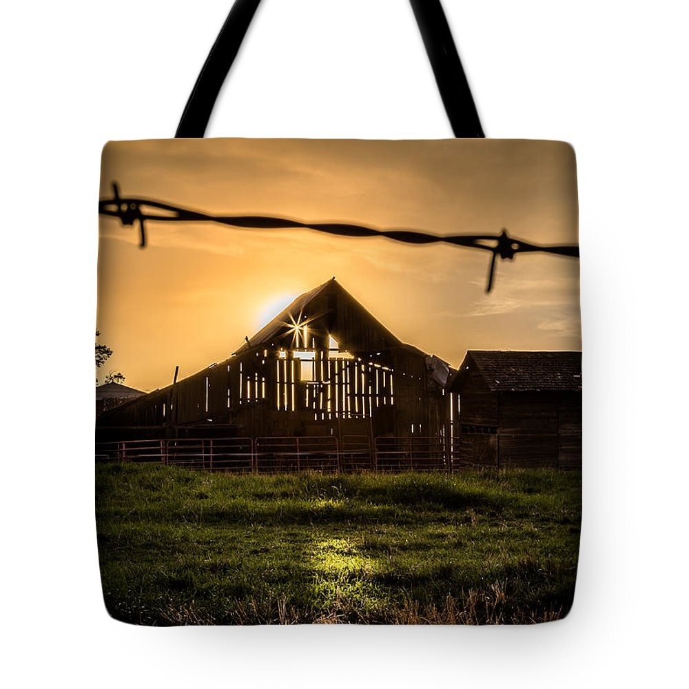 Barbwire Tote Bag featuring the photograph Barbwire Barn by Brad Stinson