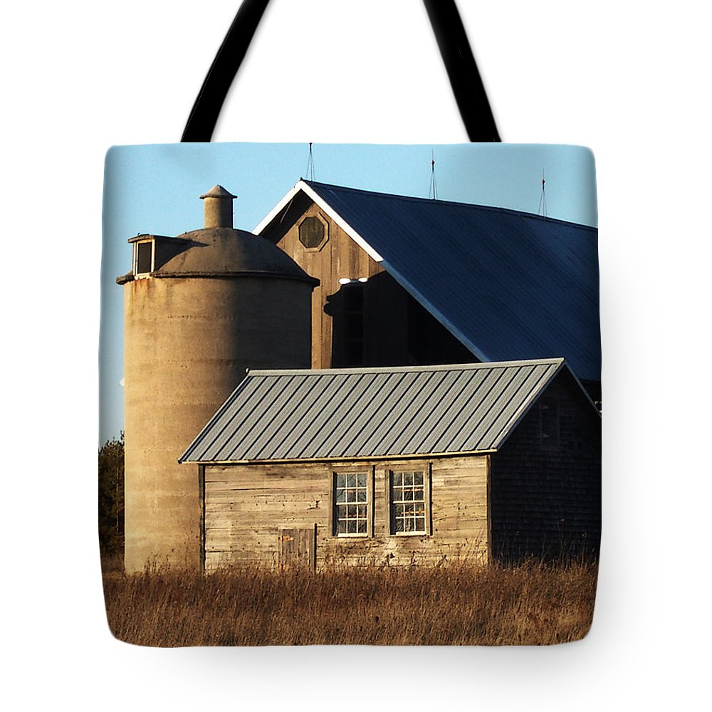 Barn Tote Bag featuring the photograph Barn At 57 And Q by Tim Nyberg