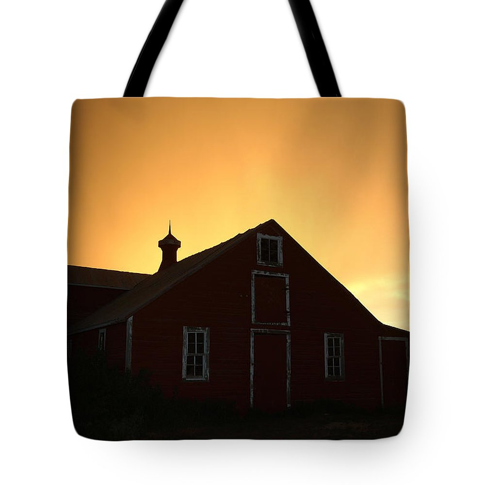 Barn Tote Bag featuring the photograph Barn At Sunset by Jerry McElroy