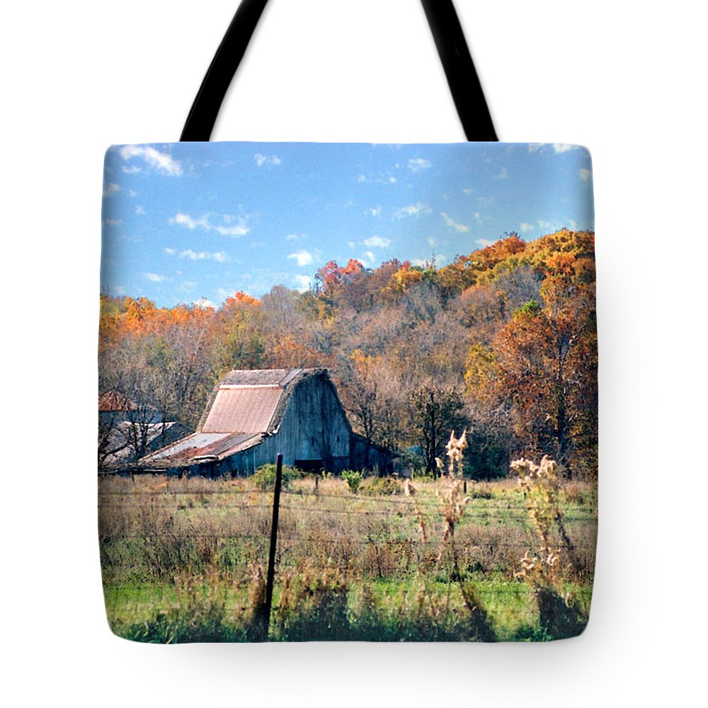 Landscape Tote Bag featuring the photograph Barn In Liberty Mo by Steve Karol