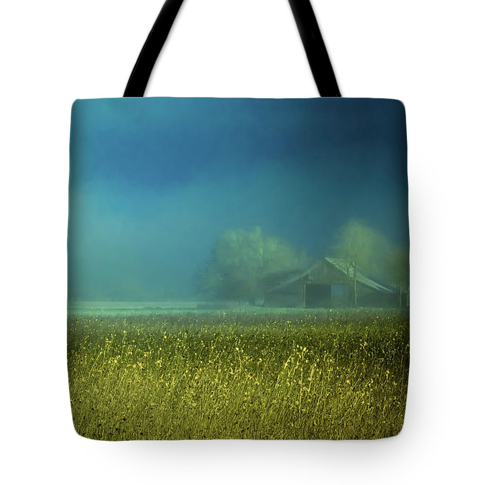 Farmland Tote Bag featuring the photograph Barn In The Field by Don Schwartz