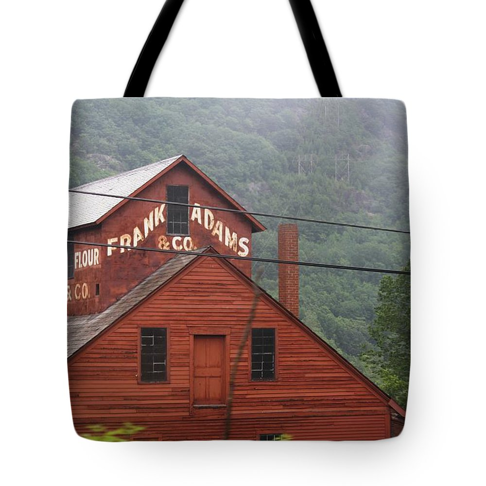 Barn Tote Bag featuring the photograph Barn In Vermont Along Amtrack by Donna Walsh