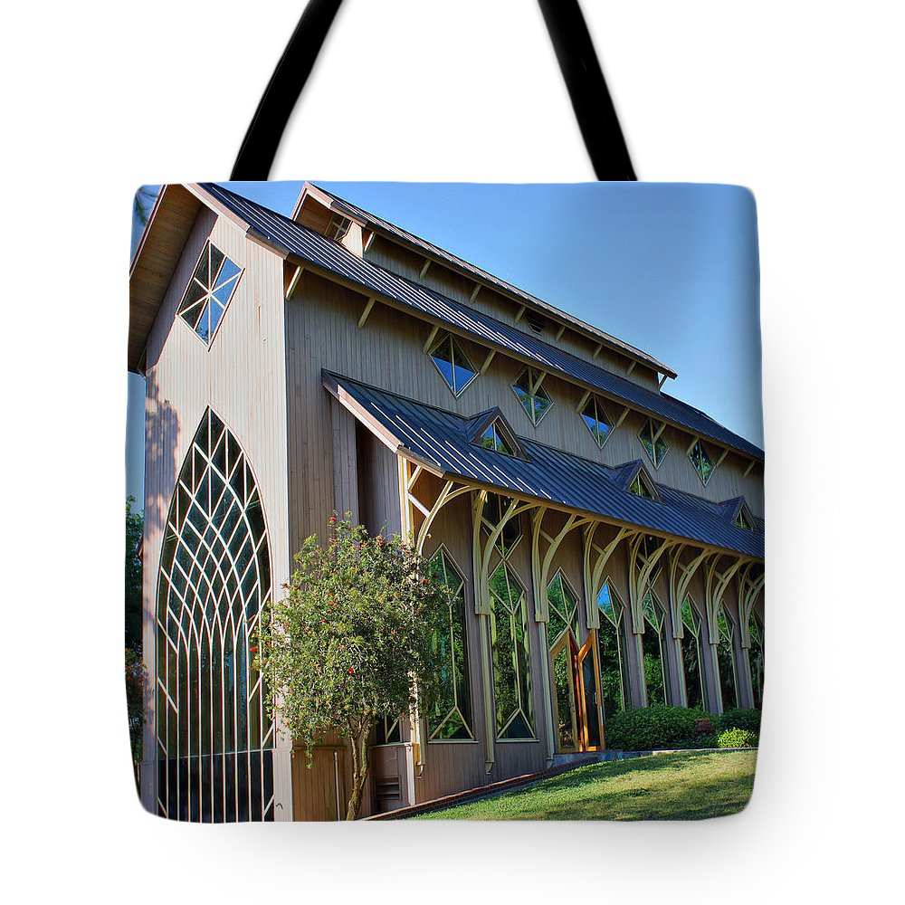 Baughman Tote Bag featuring the photograph Baughman Meditation Center - Outside by Farol Tomson