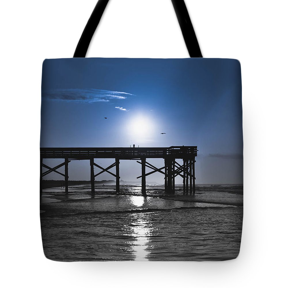 South Carolina Tote Bag featuring the photograph Beach Dreams by Debra Bowers