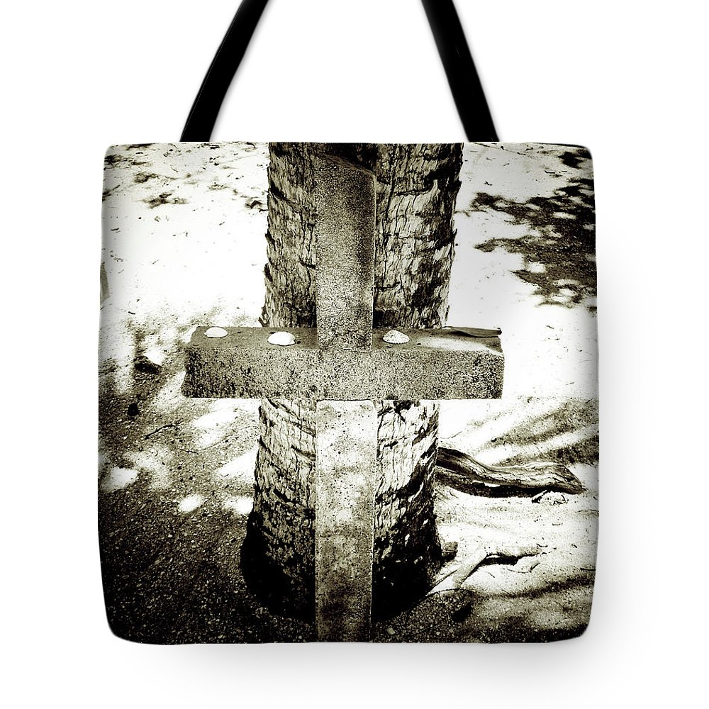 Florida Tote Bag featuring the photograph Beach Memorial Extreme by Chris Andruskiewicz