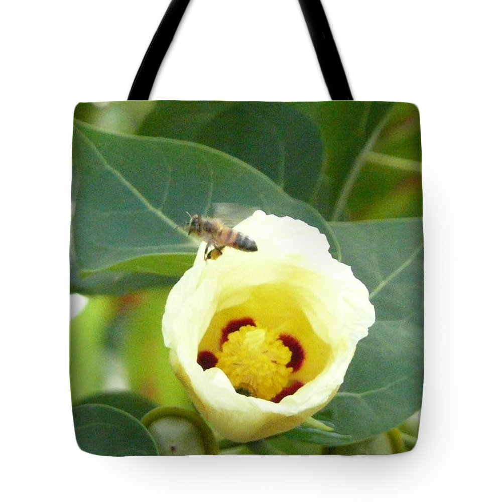 Bee Plants Tropical Tote Bag featuring the photograph Bee Chowtime by Robert aka Bobby Ray Howle