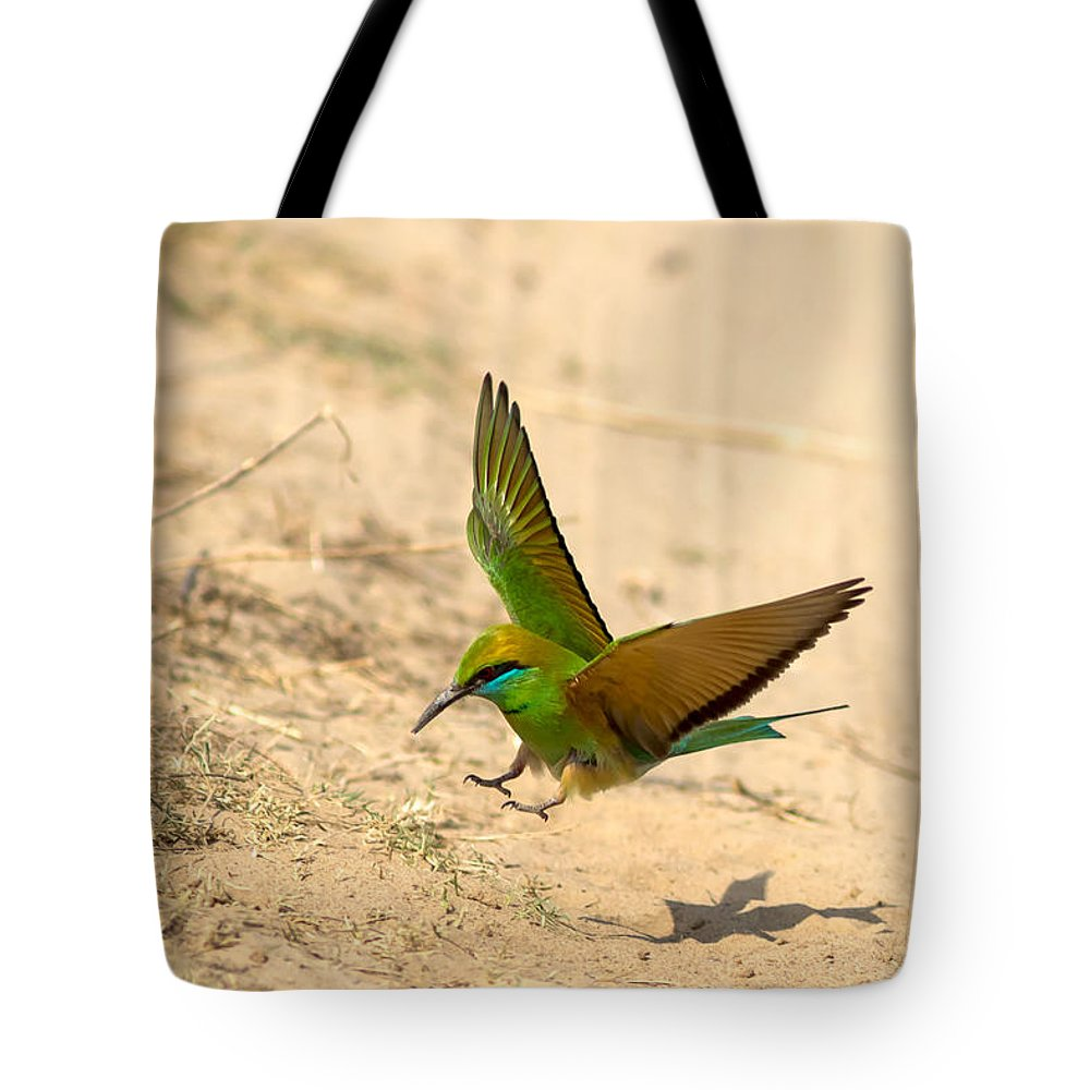Bee Eater Tote Bag featuring the photograph Bee Eater Landing by Ramabhadran Thirupattur